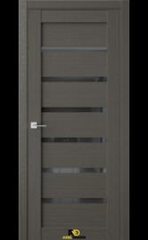 Межкомнатная дверь Q5 Орех макадамия (черный лакобель)